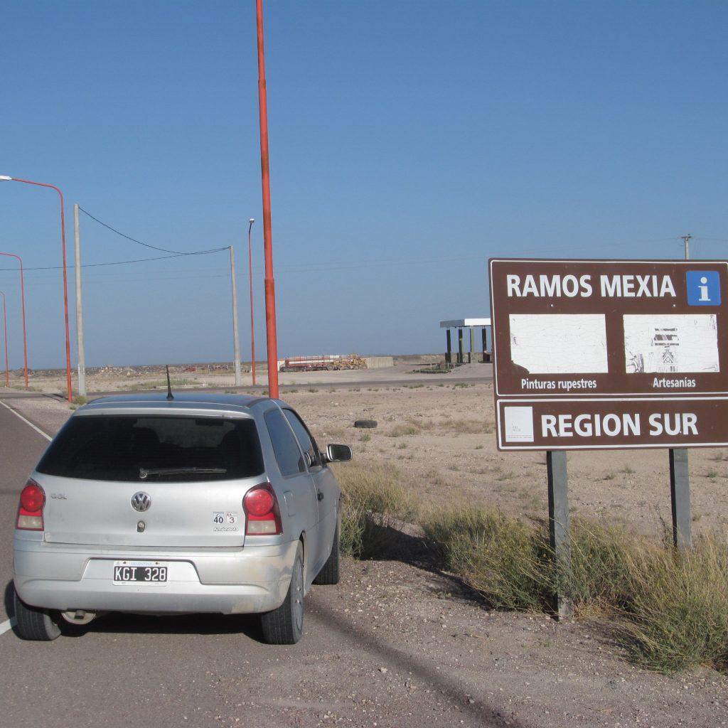 Entrada a Ramos Mexia ruta 23