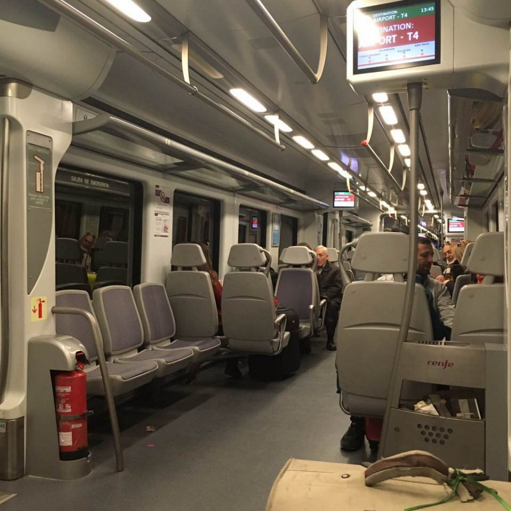 tren al aeropuerto