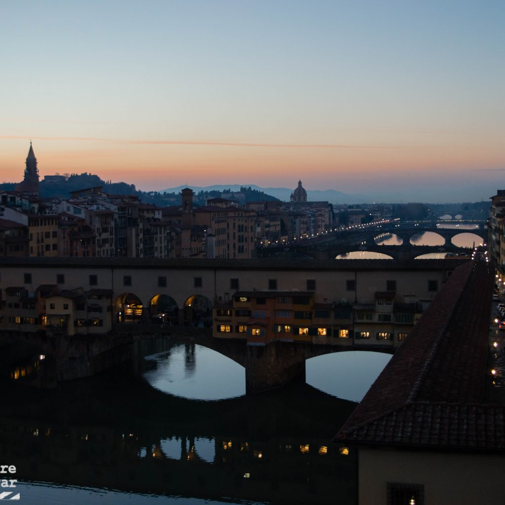 ponte vecchio al atardecer florencia